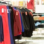 Shopper klær i ferien